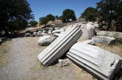 troy-ruins-550.jpg