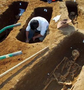 une-tombe-de-singe-decouverte-dans-une-necropole-antique-a-poitiers-slider.jpg