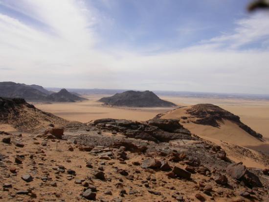 wadi-takarkori-sahara.jpg
